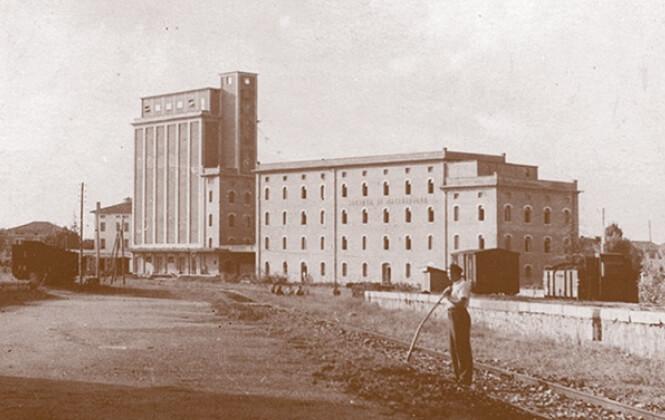1923_1.jpg